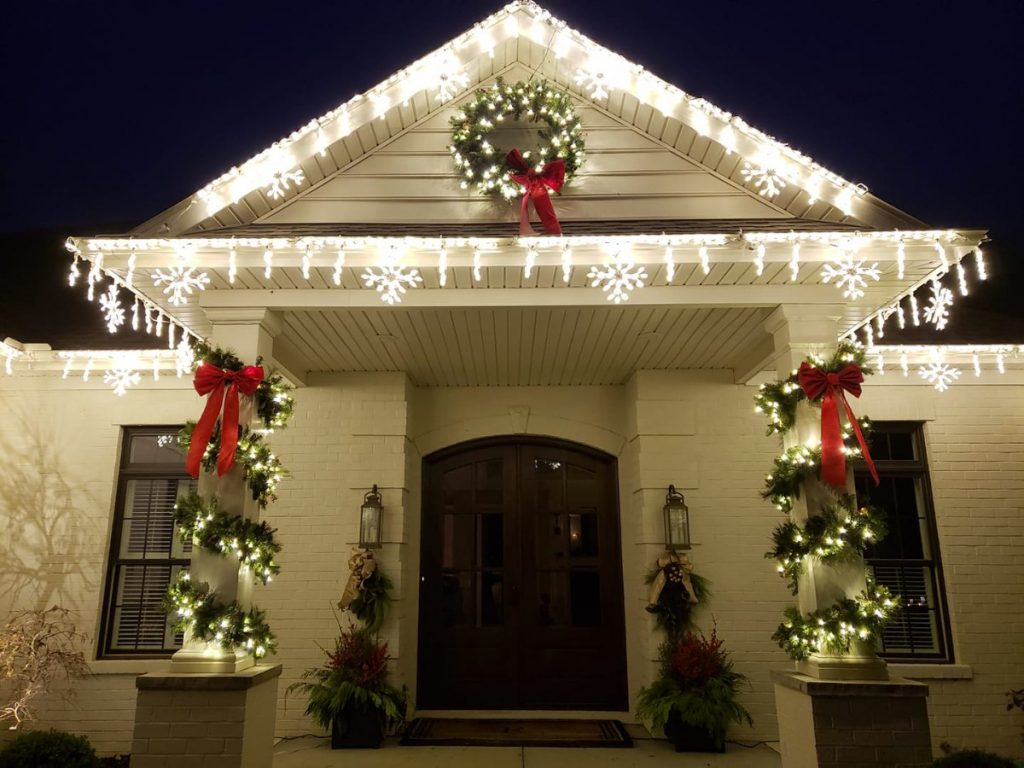 outdoor christmas lights garland